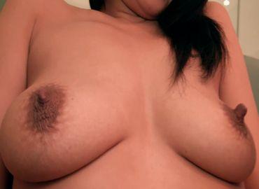 【無修正】30代の垂れ乳が妙にエロい熟女とハメ狂う無料裏ビデオ動画