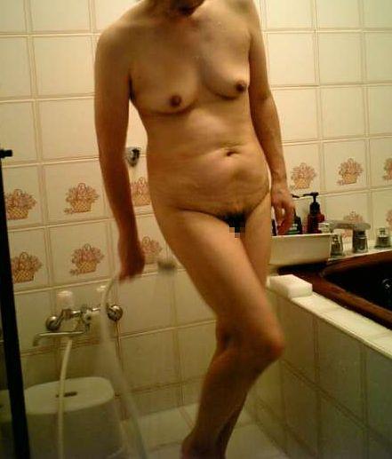 【塾女性誌40歳 体型画像】お風呂でくつろぐ奥様達のだらしない身体がエロ過ぎる17