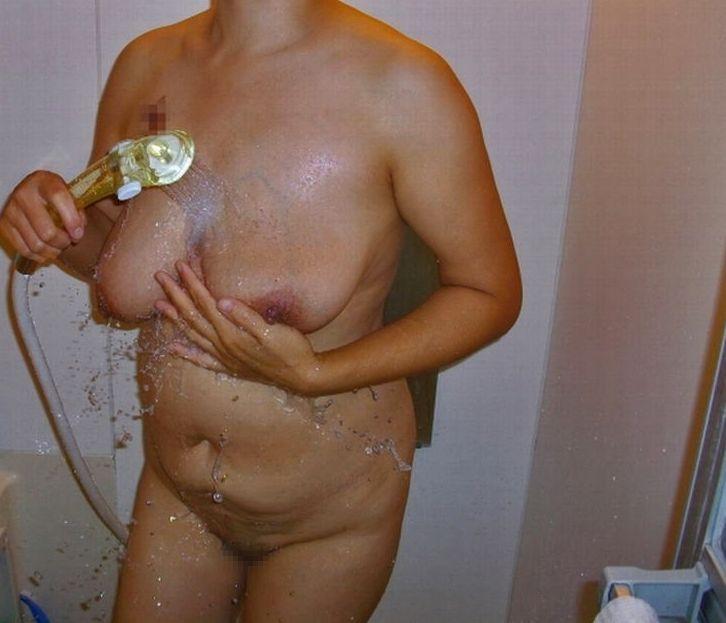 【塾女性誌40歳 体型画像】お風呂でくつろぐ奥様達のだらしない身体がエロ過ぎる11