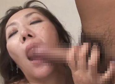 【無修正熟女動画】山本艶子が汗だくになってデカチンを喰らう!