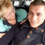 【女性が見い動画 hネット】イケメンなタクシー運転手を誘惑するおばさん